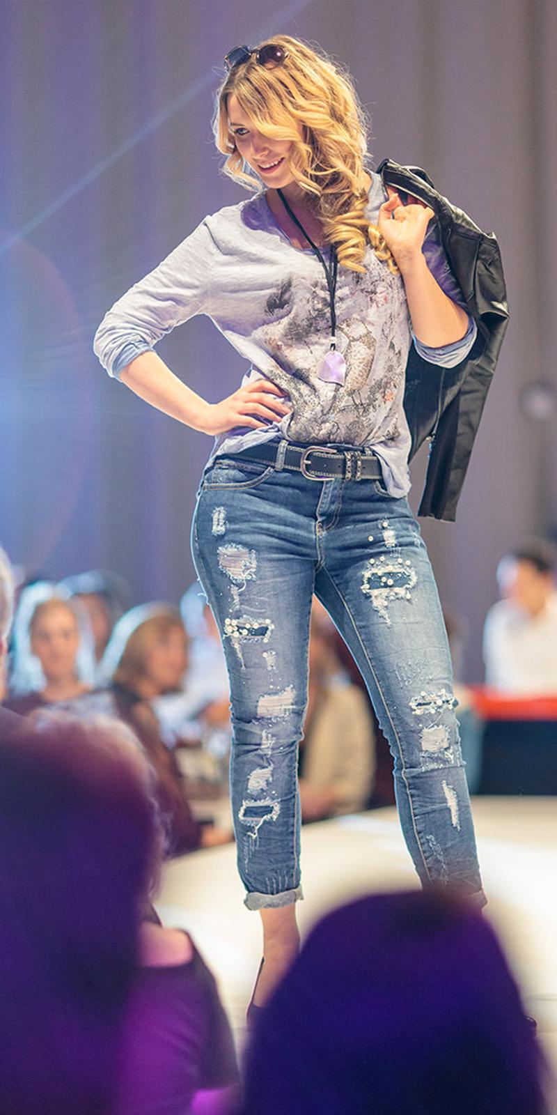 ladies-fashion-night-17-16x8-6